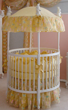 Papillons bedding on #206 Country French Round Crib